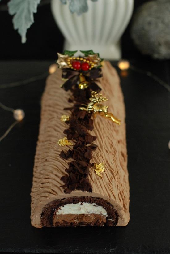 蜂蜜とチョコレートのビュッシュ正面